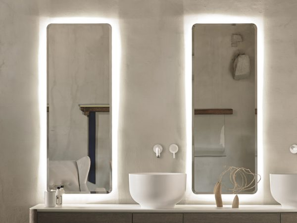 long mirrors with integrated lighting